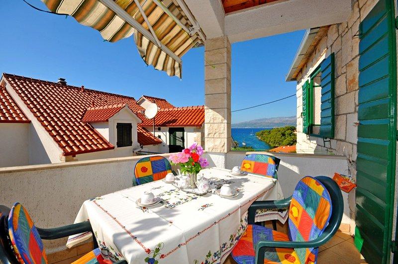 Apartments Katija, holiday rental in Splitska