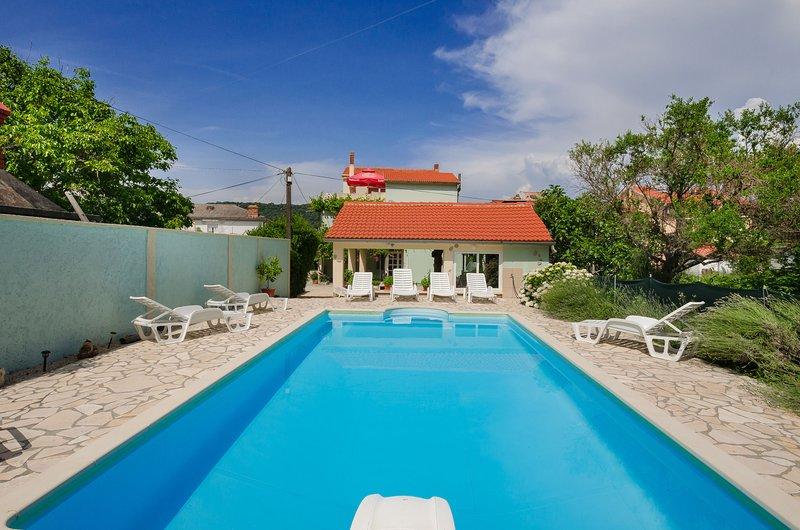 Apartments Jasna, holiday rental in Supetarska Draga