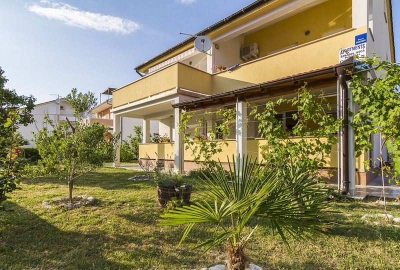 Apartments Ivica, location de vacances à La ville de Rab