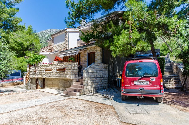 Apartments Antun, vacation rental in Ivan Dolac