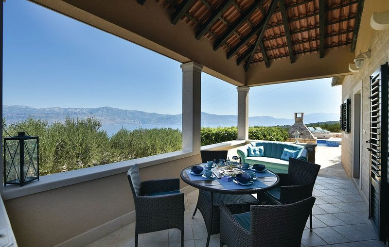 House Ita, holiday rental in Dol