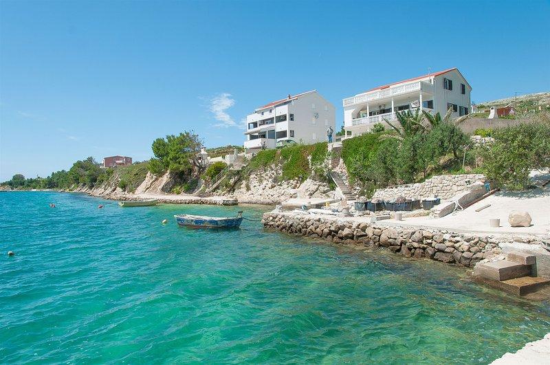 Apartments Tomo, vacation rental in Vlasici