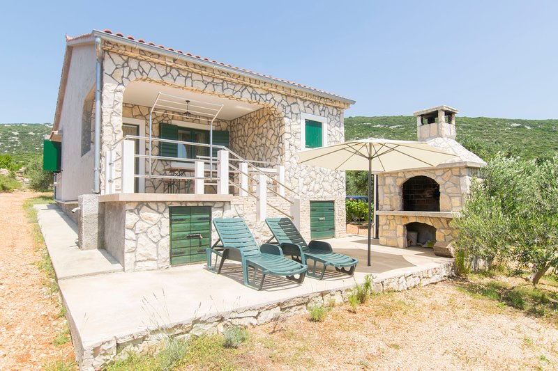 House Oliver, holiday rental in Dobropoljana