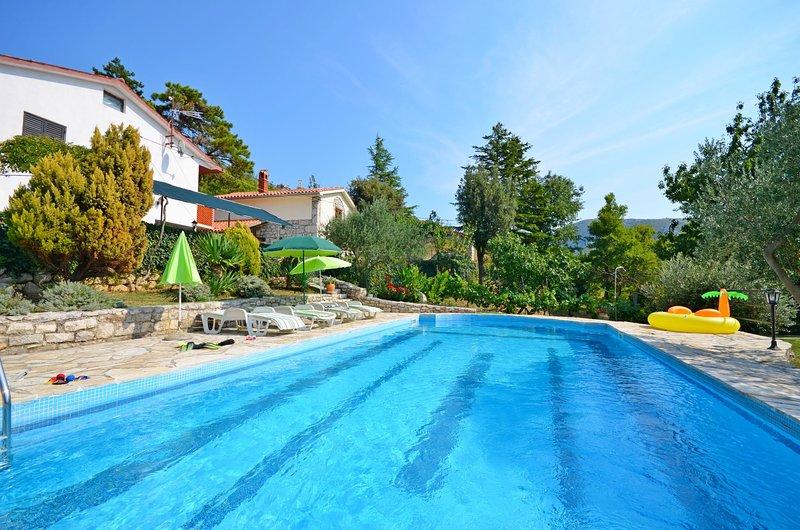 Apartment Josip, vacation rental in Plomin