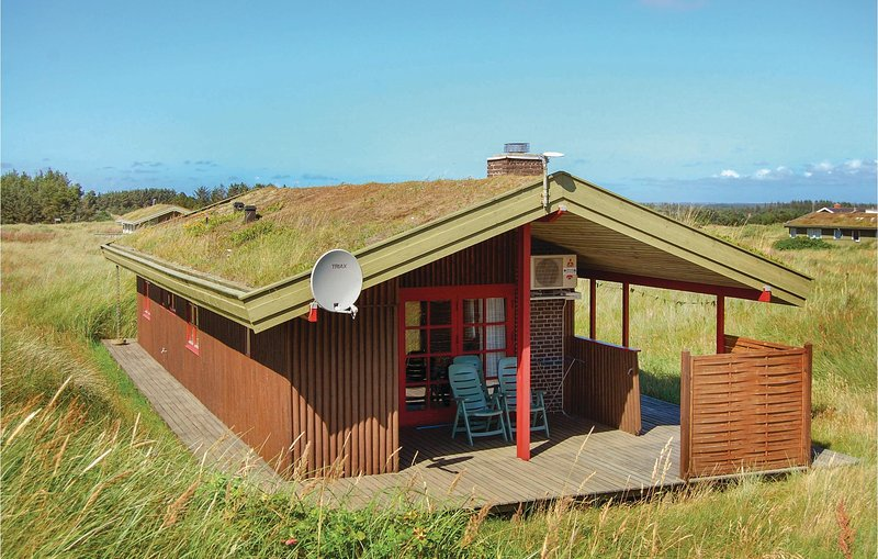 Stunning home in Løkken w/ 2 Bedrooms, holiday rental in Jammerbugt Municipality