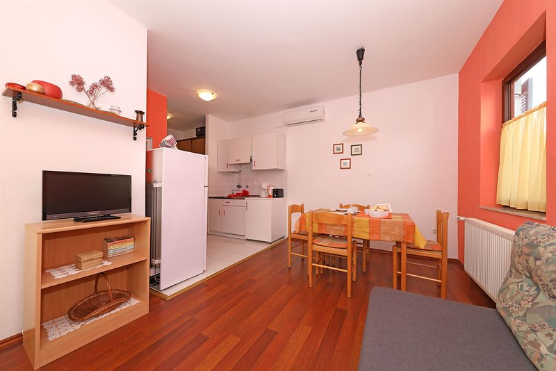 Apartments Josip, casa vacanza a Turanj