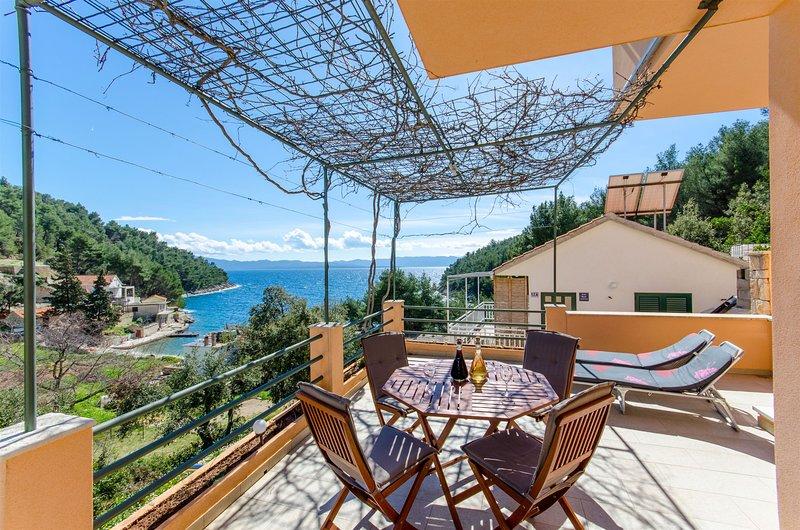 Apartment Pharia, location de vacances à Bogomolje