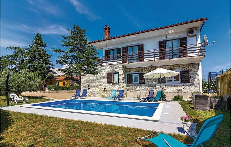 Awesome home in Barban with WiFi and 6 Bedrooms (CIC567), location de vacances à Prhati