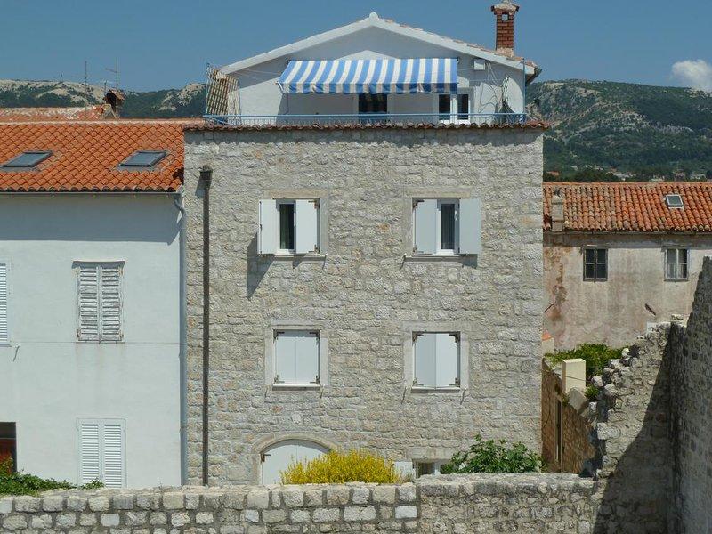 Three bedroom apartment Rab (A-14697-a), location de vacances à La ville de Rab