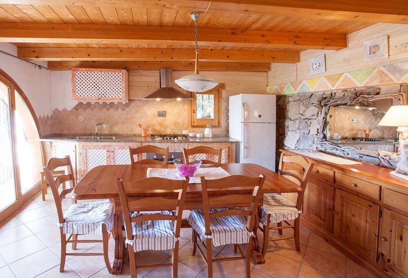 Villa Romantica - Residence con Piscina, alquiler vacacional en Santa Margherita di Pula