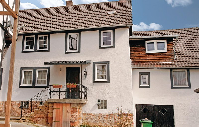 Awesome home in Waldeck with WiFi and 5 Bedrooms (DNW820), location de vacances à Twistetal