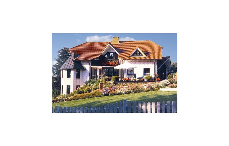 Amazing home in Brilon-Madfeld with 3 Bedrooms (DNW835), holiday rental in Helminghausen