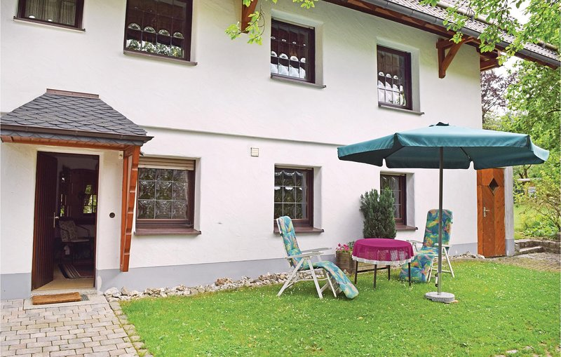 Nice home in Winterberg-Altenfeld with WiFi and 2 Bedrooms (DNW848), casa vacanza a Oberhenneborn