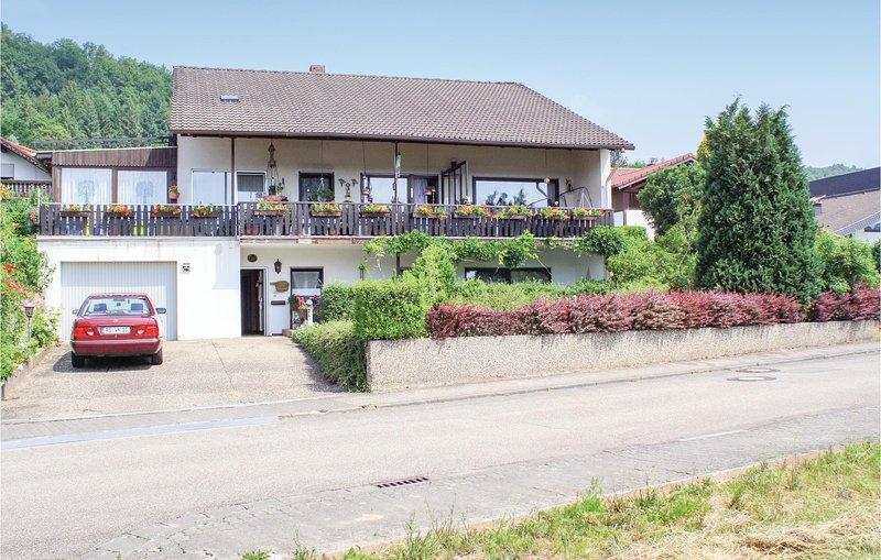 Amazing home in Rodalben with 2 Bedrooms (DPW100), location de vacances à Rodalben