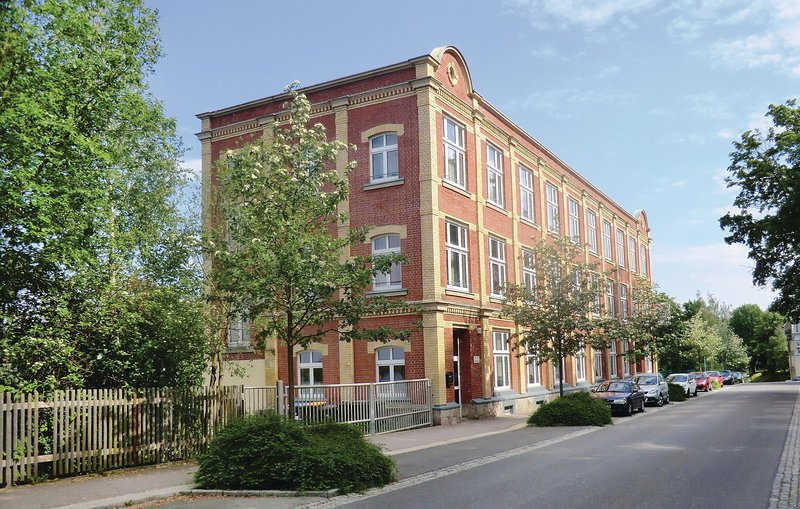Nice home in Auerbach with Sauna, WiFi and 16 Bedrooms (DSA104), holiday rental in Thiergarten