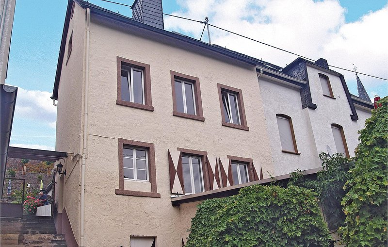 Awesome home in Zell-Merl with WiFi and 3 Bedrooms (DRP319), holiday rental in Puenderich