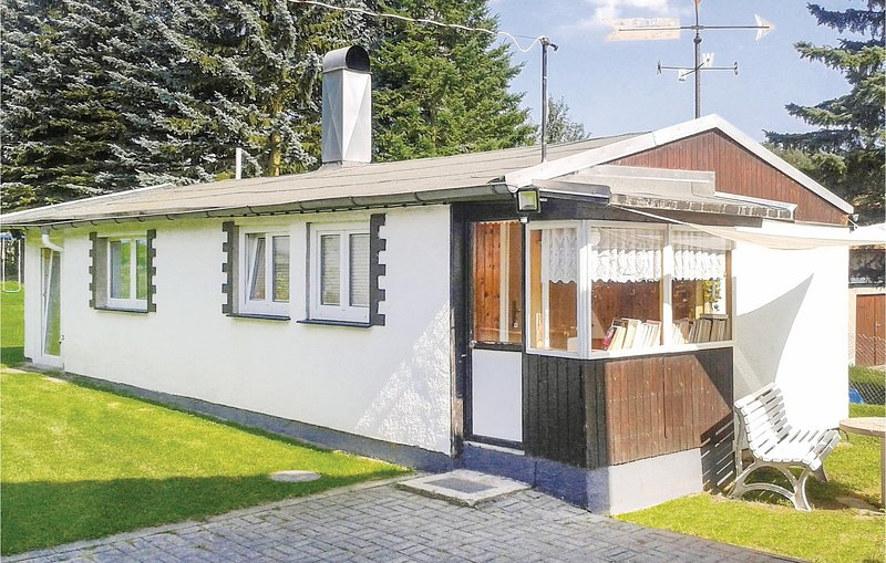 Stunning home in Kottengrün with WiFi and 2 Bedrooms (DSA200), holiday rental in Thiergarten