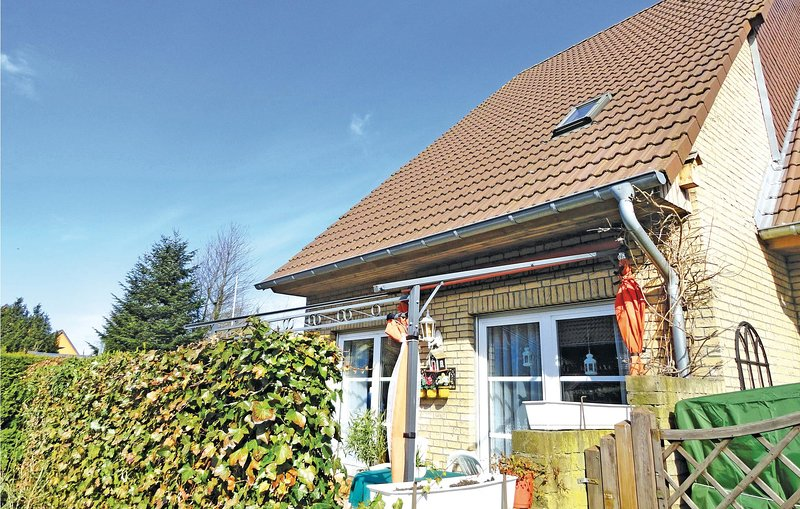 Awesome home in Harrislee with 3 Bedrooms (DSH246), vacation rental in Flensburg