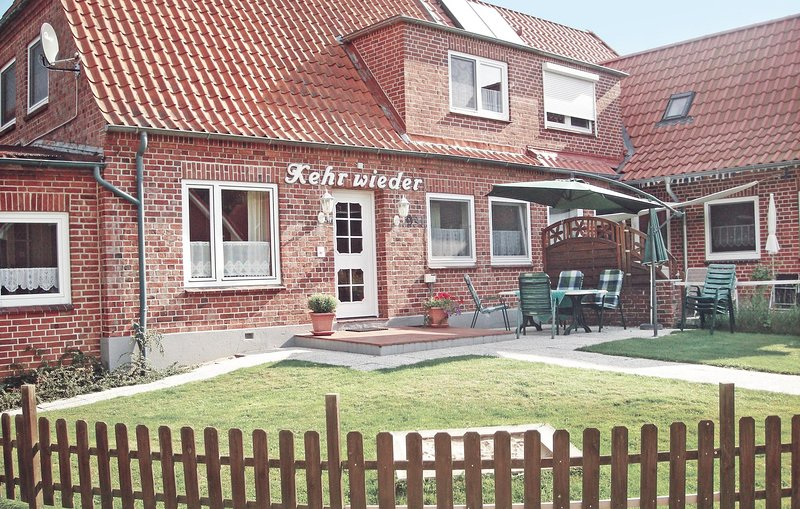 Nice home in Hohwacht with 4 Bedrooms (DSH196), casa vacanza a Hohwacht