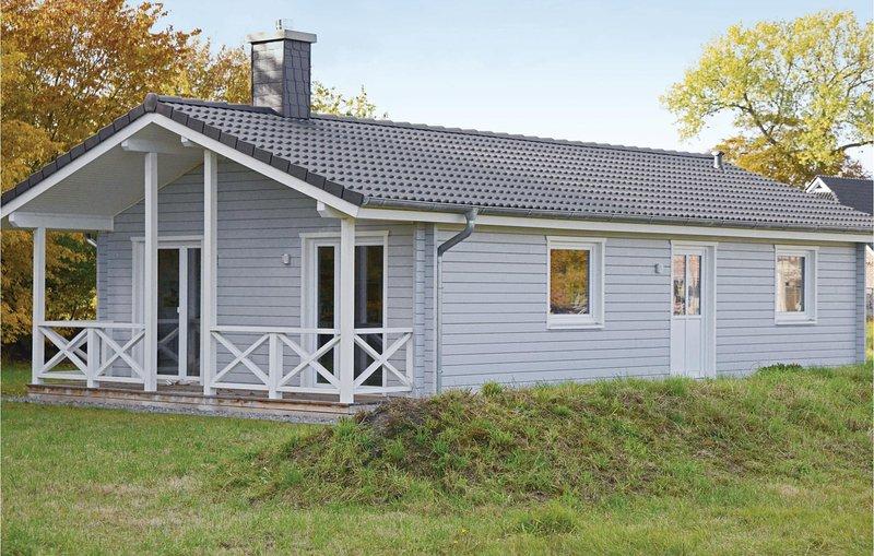 Beautiful home in Heidmühlen OT Klint with 2 Bedrooms (DSH265), Ferienwohnung in Großharrie