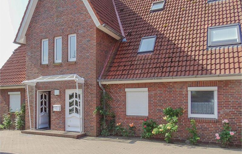 Awesome home in Büsum OT Westerdeichs. with 1 Bedrooms (DSH291), aluguéis de temporada em Toenning