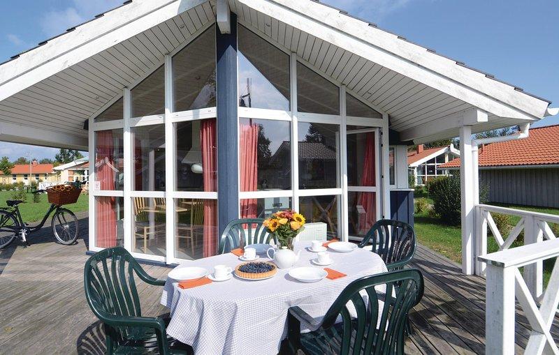 Beautiful home in Friedrichskoog with Sauna and 3 Bedrooms (DSH614), holiday rental in Friedrichskoog