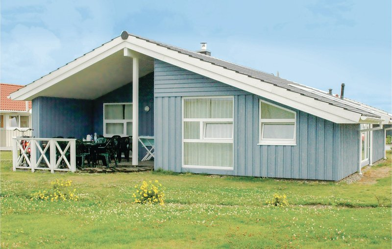Awesome home in Friedrichskoog with Sauna and 4 Bedrooms (DSH605), holiday rental in Friedrichskoog