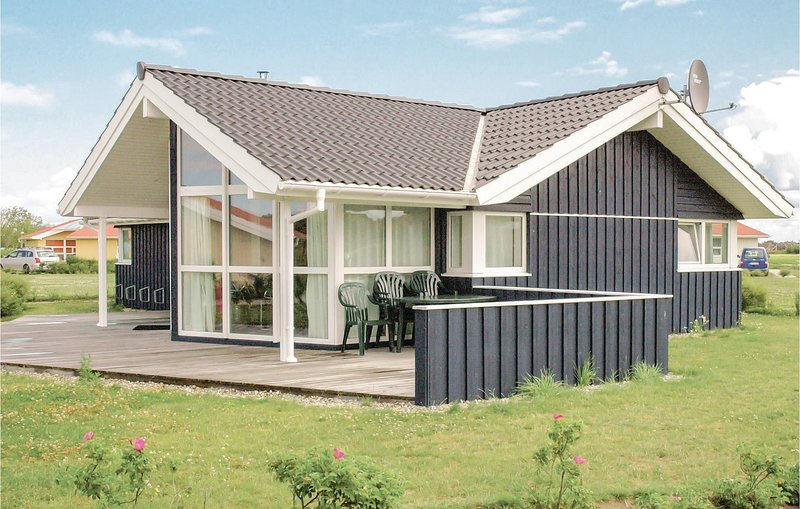 Awesome home in Friedrichskoog with Sauna and 3 Bedrooms (DSH606), holiday rental in Friedrichskoog
