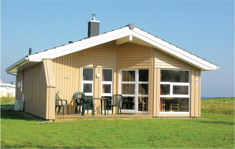 Awesome home in Friedrichskoog with Sauna and 2 Bedrooms (DSH602), holiday rental in Friedrichskoog