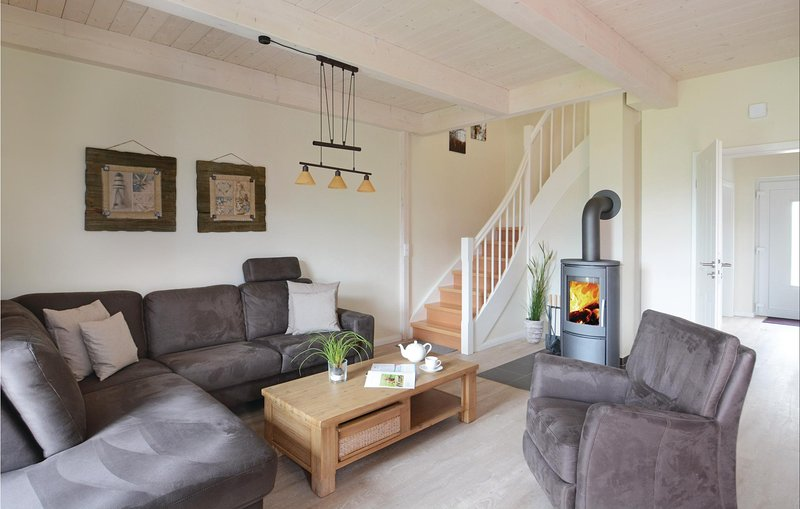 Awesome home in Dagebüll with Sauna and 3 Bedrooms (DSH902), vacation rental in Wyk auf Foehr