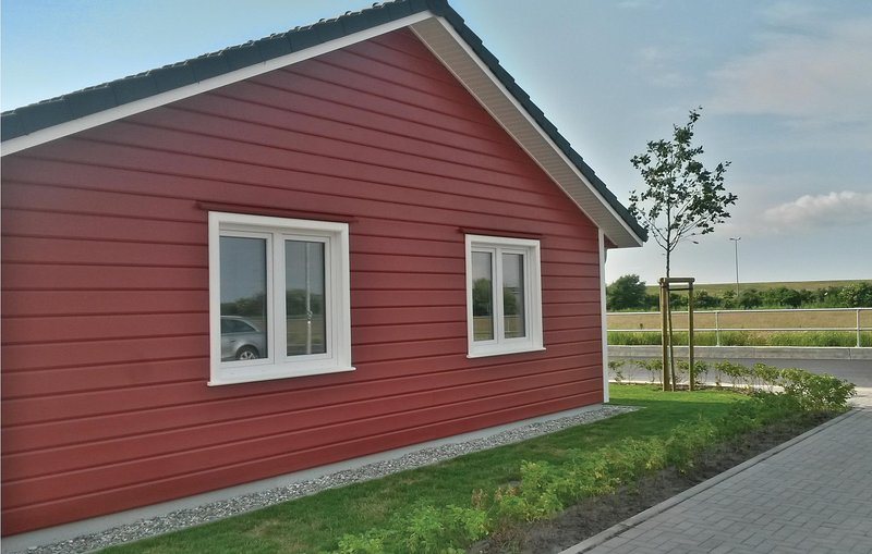 Amazing home in Dagebüll with Sauna and 2 Bedrooms (DSH951), casa vacanza a Emmelsbull-Horsbull