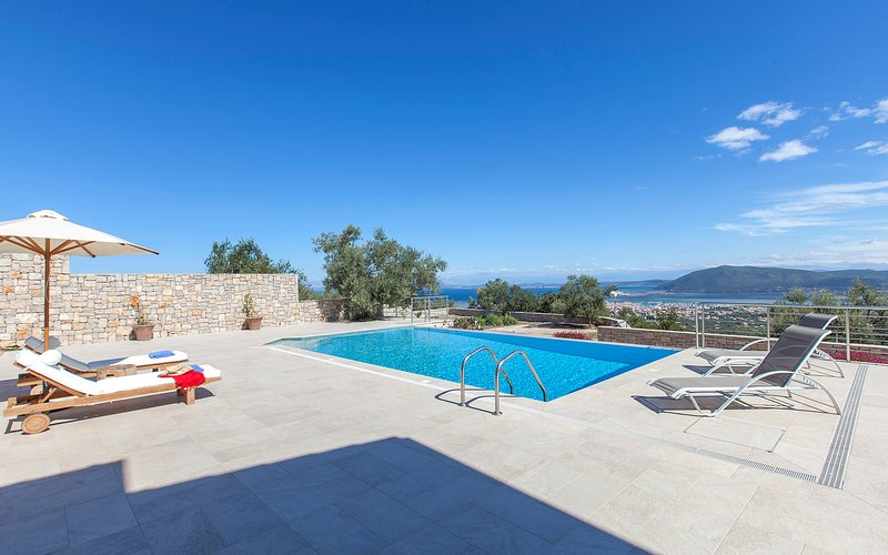 Stunning Villa Kallisto with Amazing SeaViews Now With 10%Off For EarlyJulyDates, holiday rental in Spanochori
