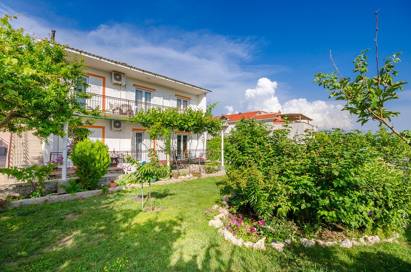 Apartments Joka, holiday rental in Lopar