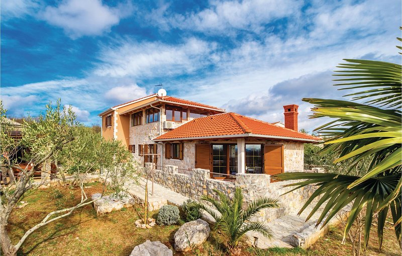 Amazing home in Zgaljici with Sauna, WiFi and 4 Bedrooms (CKK851), holiday rental in Poljica