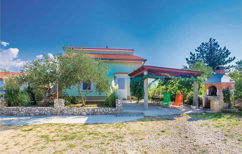 Amazing home in Silo with WiFi and 1 Bedrooms (CKK964), location de vacances à Polje