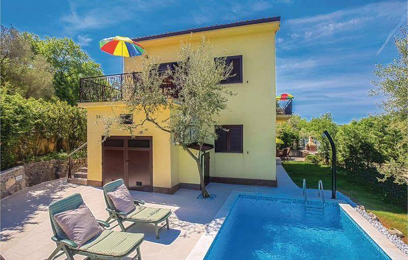 Nice home in Soline with WiFi and 4 Bedrooms (CKK994), holiday rental in Soline
