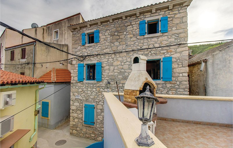 Beautiful home in Susak with WiFi and 1 Bedrooms (CKL115), holiday rental in Susak