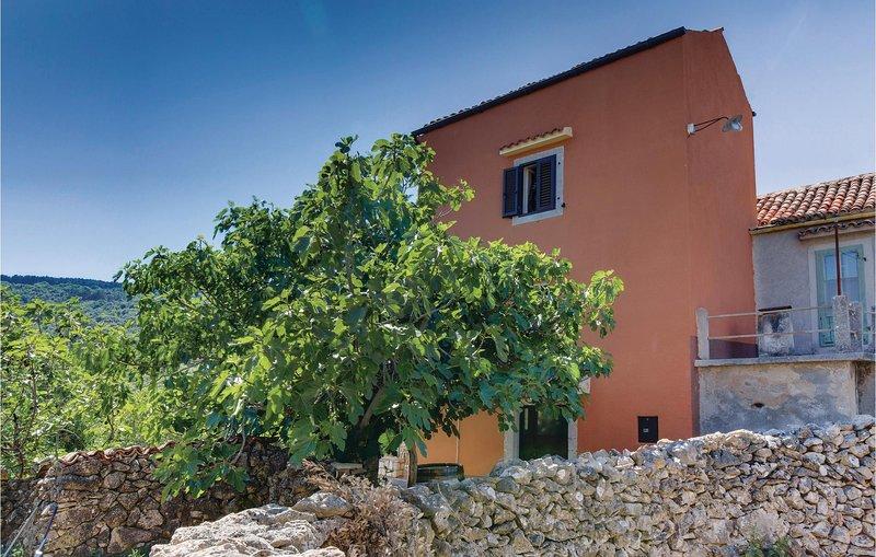 Nice home in Zbicina with 3 Bedrooms and WiFi (CKL123), aluguéis de temporada em Stivan