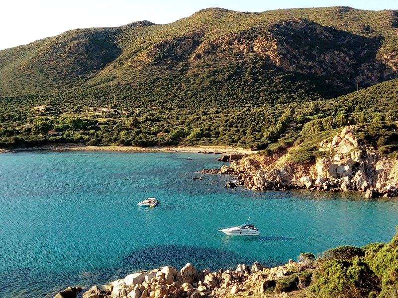 Villetta Sul mare - a due passi dalla spiaggia, casa vacanza a Domus de Maria