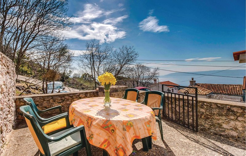 Beautiful home in Dragozetici with 3 Bedrooms (CKL208), vacation rental in Porozina
