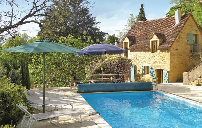 Prachtig omgebouwde schuur met zwembad (FAD724), holiday rental in Saint Cirq Madelon