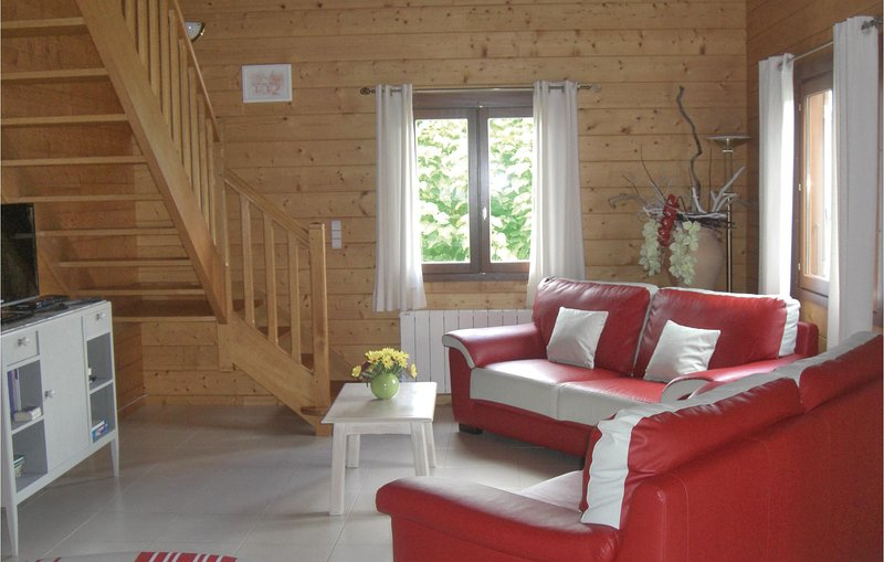 Nice home in Sceau St. Angel with WiFi and 3 Bedrooms (FAD735), holiday rental in Champs-Romain