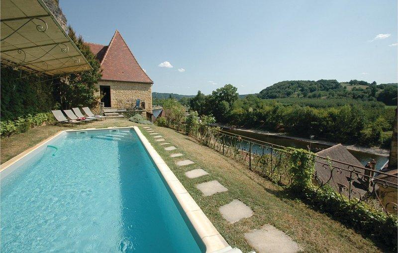 Stunning home in La Roque-Gageac with 2 Bedrooms (FAD725), location de vacances à La Roque-Gageac
