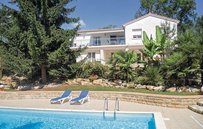Leuke moderne villa in Perigord Blanc (FAD745), holiday rental in Sorges