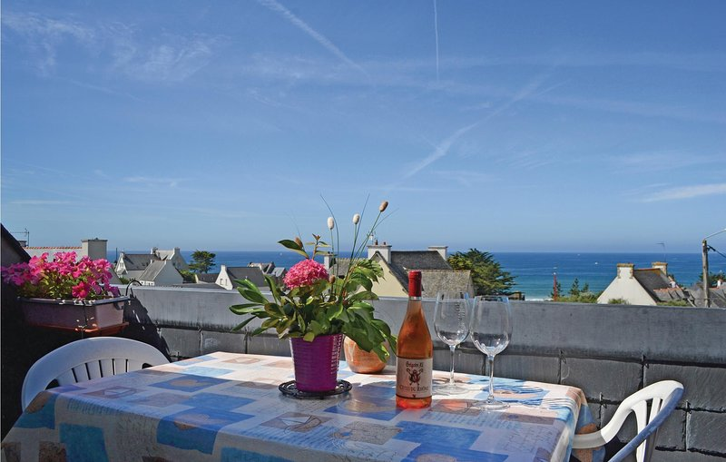 Awesome home in Clohars Carnoet with WiFi and 1 Bedrooms (FBF557), aluguéis de temporada em Le Pouldu
