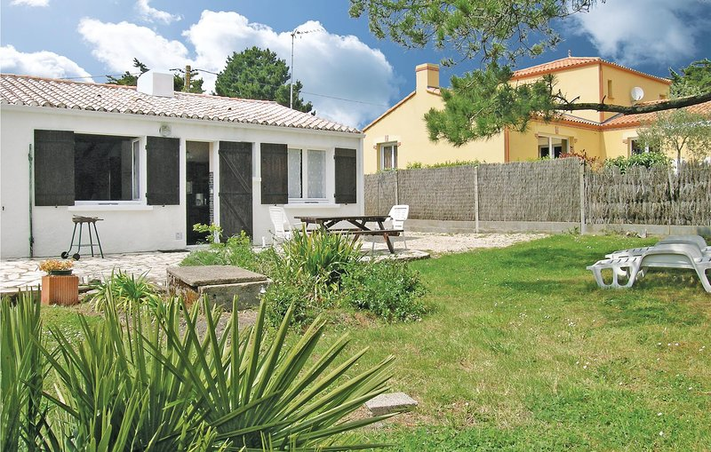 Stunning home in Les Moutiers En Retz with 2 Bedrooms (FBL028), holiday rental in Les Moutiers-en-Retz