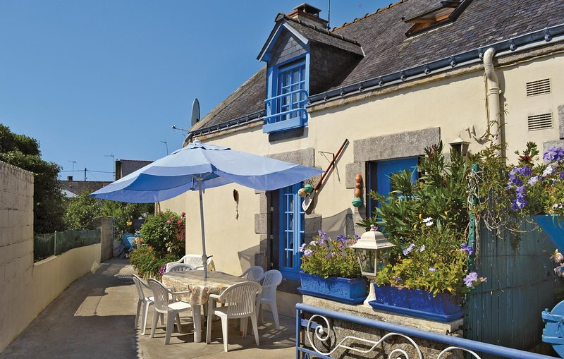 Beautiful home in Riantec with 3 Bedrooms (FBM146), alquiler de vacaciones en Kervignac
