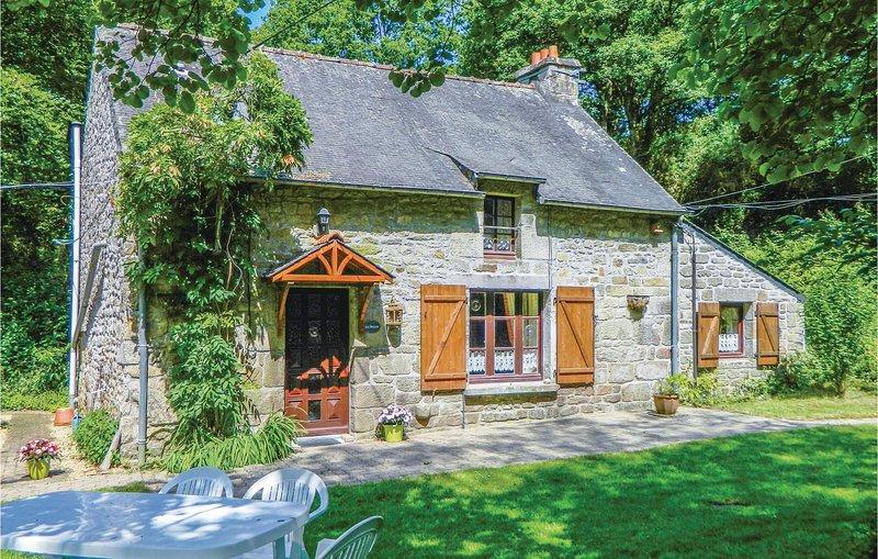 Nice home in Guern with 3 Bedrooms (FBM149), alquiler vacacional en Séglien