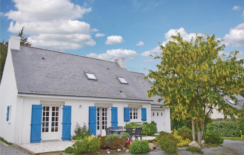 Beautiful home in Pénestin with 6 Bedrooms (FBM115), holiday rental in Penestin