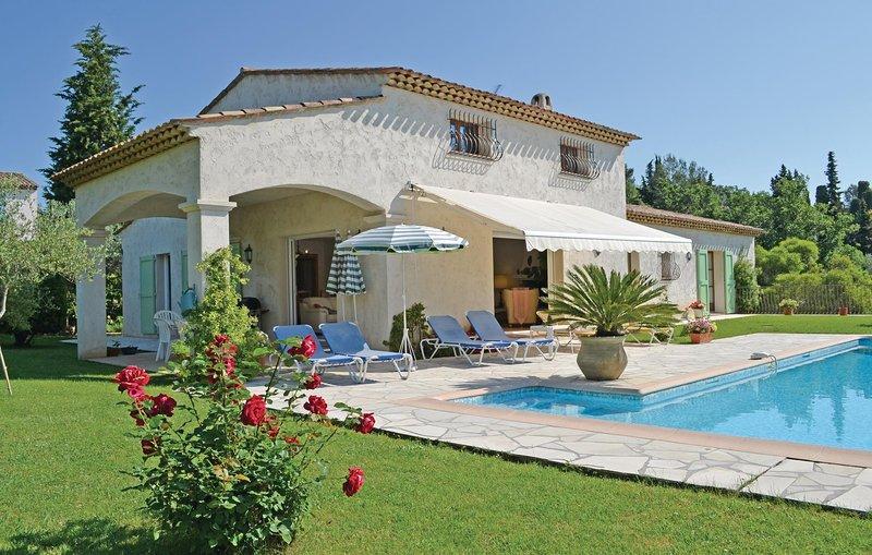 Nice home in Opio with 3 Bedrooms (FCA172), aluguéis de temporada em Valbonne